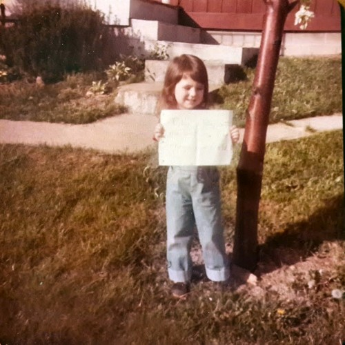 """The sign says, """"Today is May 16th, my birthday. I am three years old."""""""