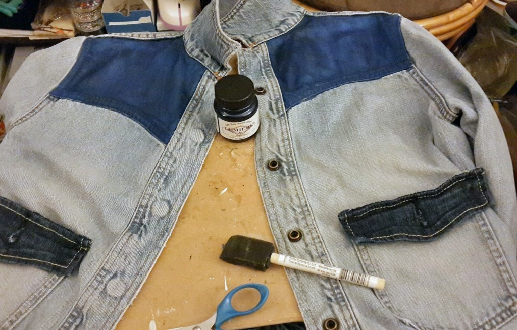 Continuing the two tone paint job of my female marty mcfly jean jacket.